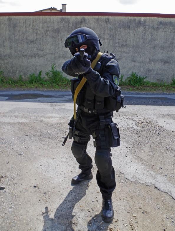 Black Unit FSB 79073920130609195624