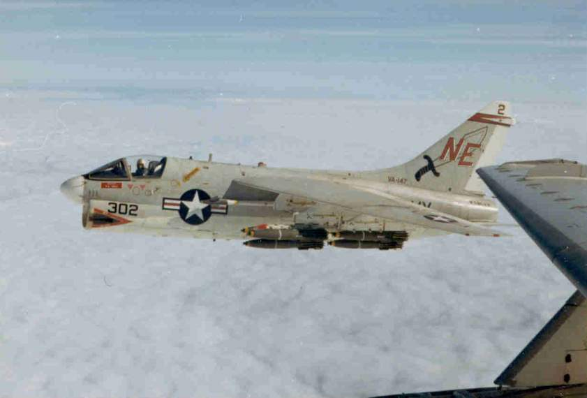 LTV A-7 Corsair II [NOUVELLE VERSION] 792306LTVA7ACorsairII22