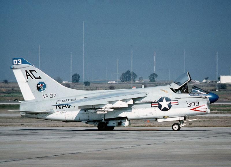 LTV A-7 Corsair II [NOUVELLE VERSION] 793850LTVA7ECorsairII44