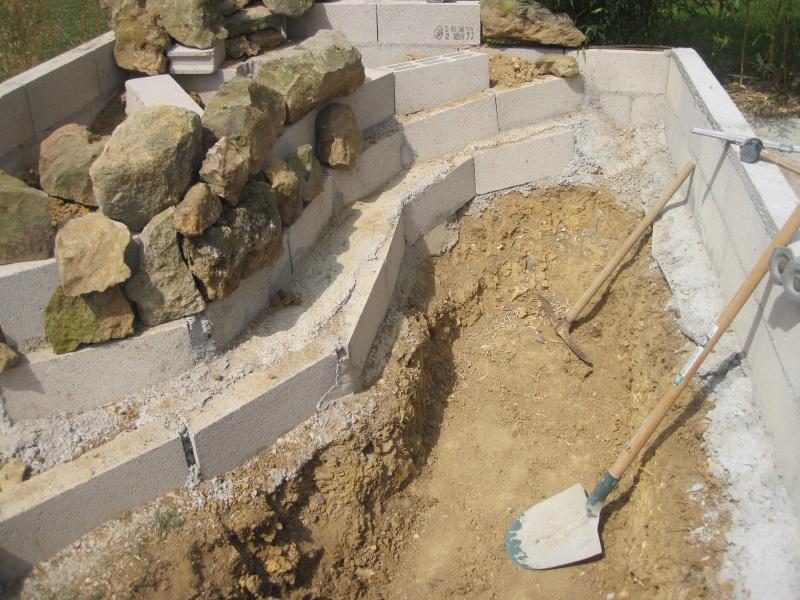 bassin 5/6 m3 semi enterré avec cascade et déversoir 794799IMG5880