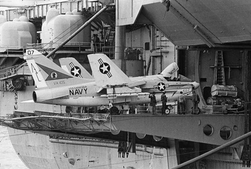 LTV A-7 Corsair II [NOUVELLE VERSION] 795854LTVA7ACorsairII18