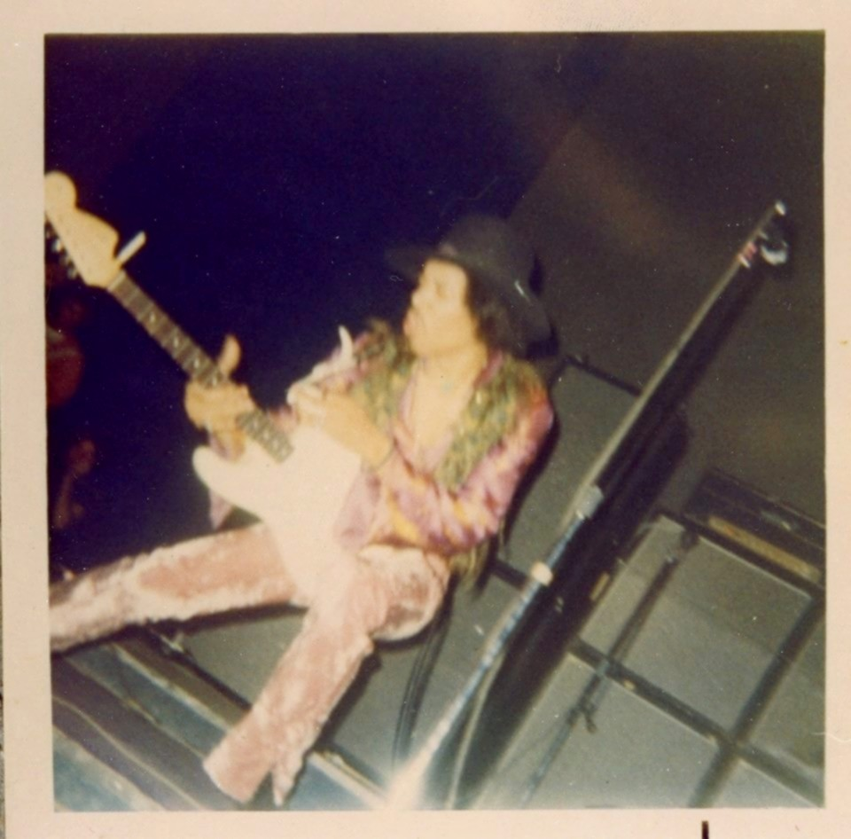 New York (Fillmore East) : 10 mai 1968 [Second concert] - Page 2 7969217892n