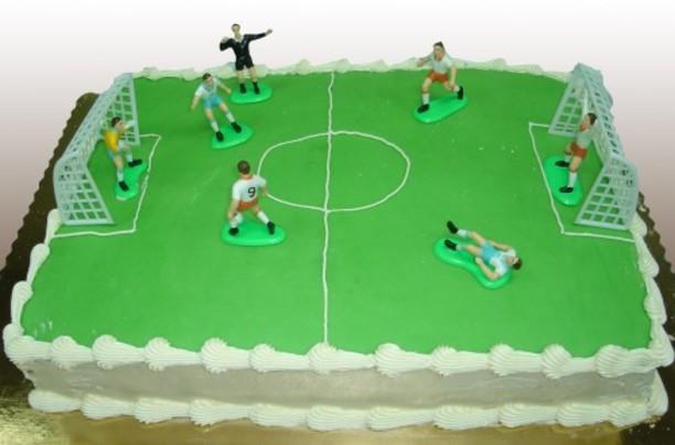 Joyeux anniversaire ShinichiKudo 7978553d2gateaudanniversaireterraindefootball612x45975sasiln7rin