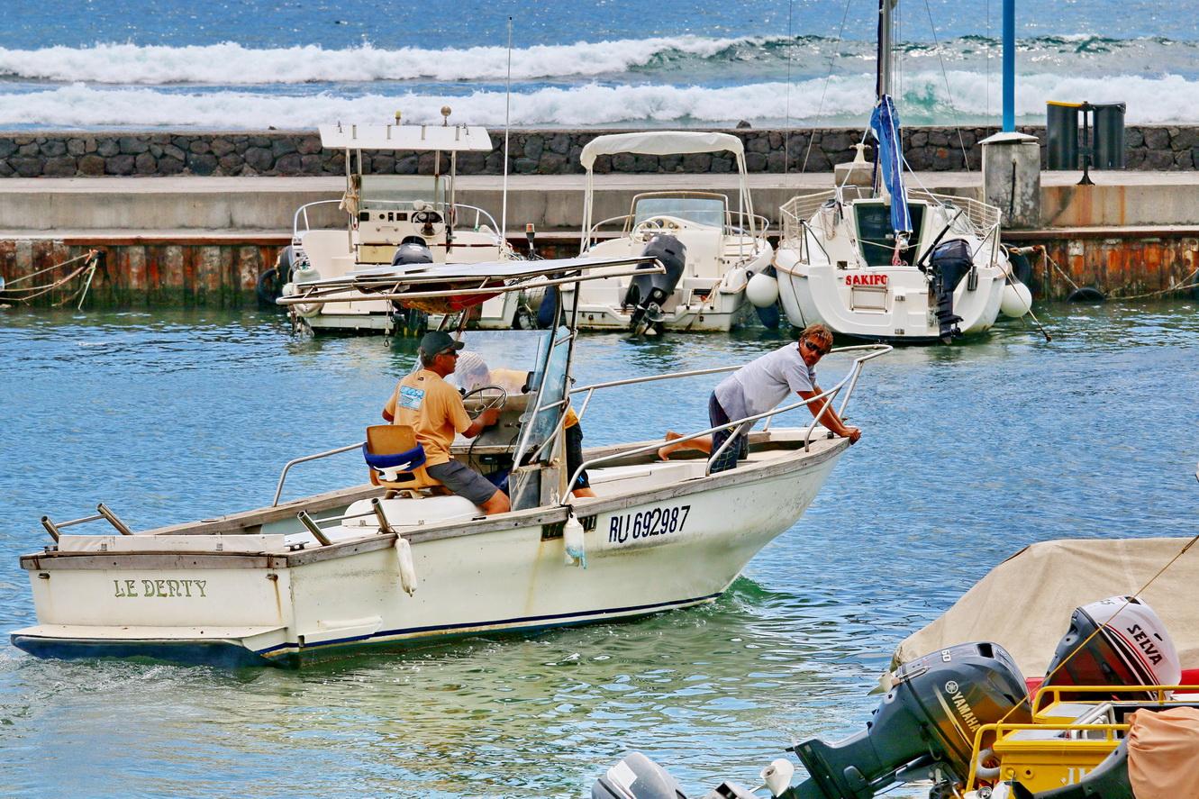 [Vie des ports] Les ports de la Réunion - Page 3 798549stpierrestleu70d119