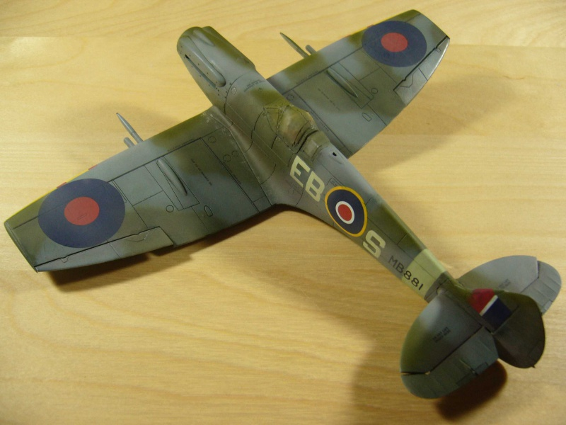 Spitfire XII du 41 RAF Sqn le 7 juin 1944, Airfix (projet AA) - Page 6 799472patine2