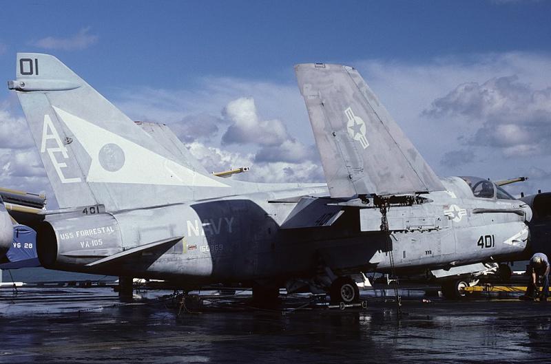 LTV A-7 Corsair II [NOUVELLE VERSION] 800994LTVA7ECorsairII153
