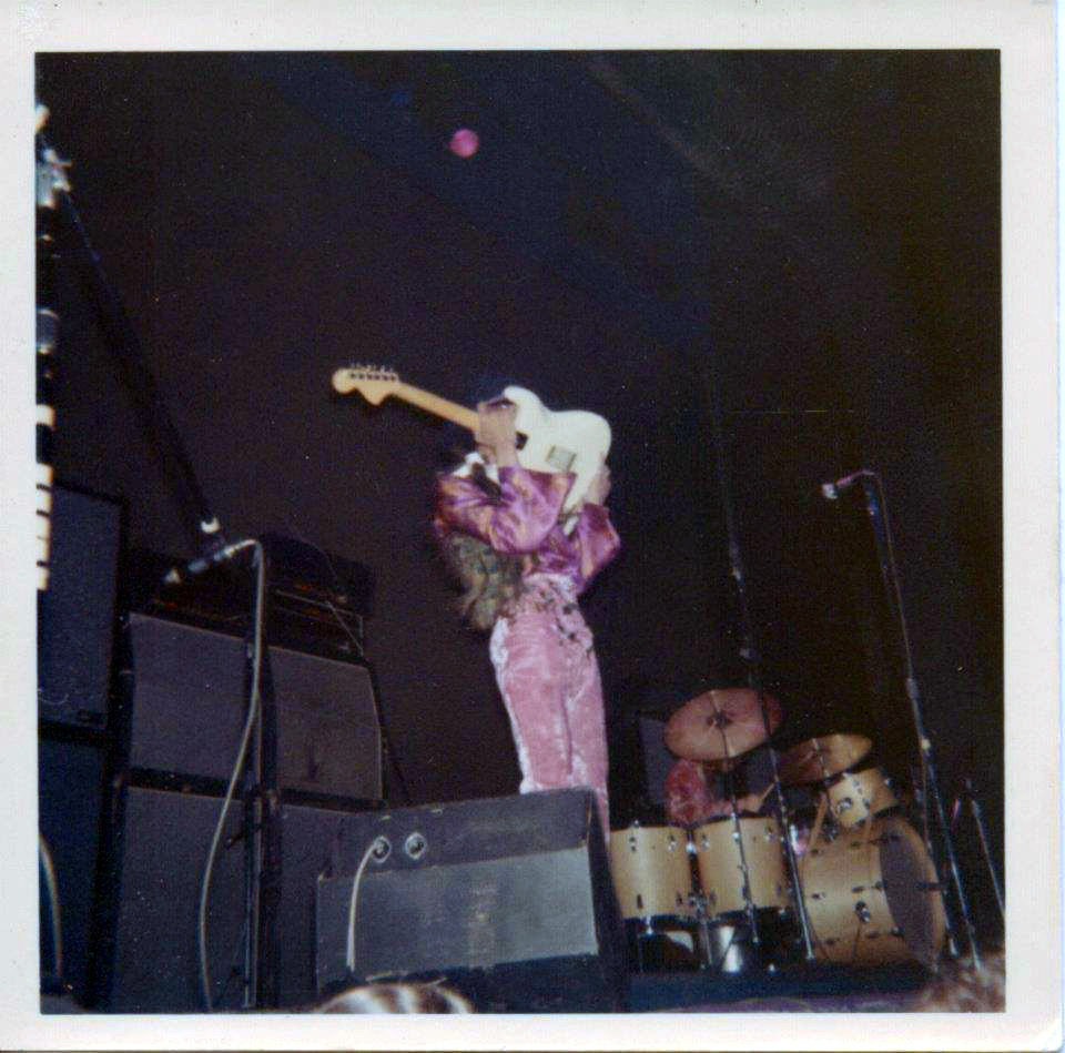 New York (Fillmore East) : 10 mai 1968 [Second concert] - Page 2 80136620150422210531