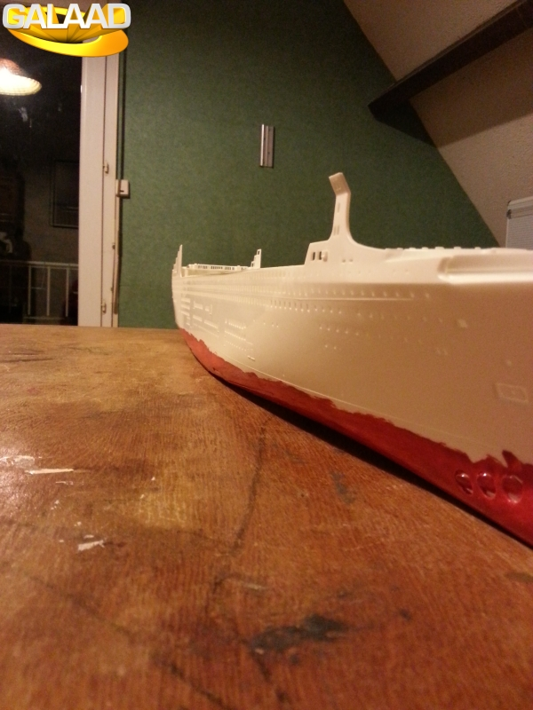 Queen Mary 2   Revell 1/400 801772743
