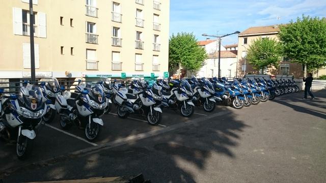 CR & Photos & Vidéo : TSO 03/05/15 La Gendarmerie en Balade et Spectacle à Castelnaudary  802966Gend01
