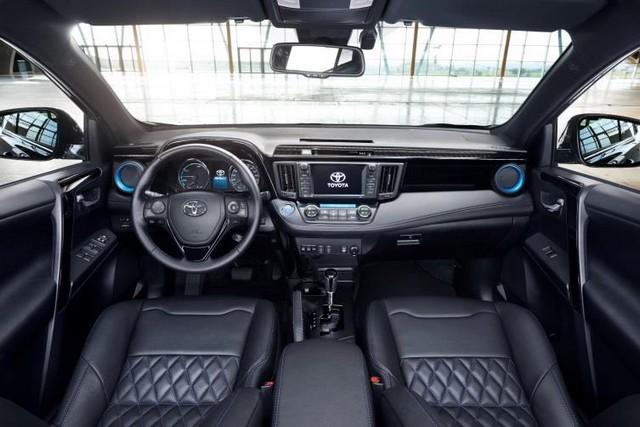 Toyota Présente Le RAV4 Sapphire Au Salon De Genève 805647RAV4HybrideSapphire1