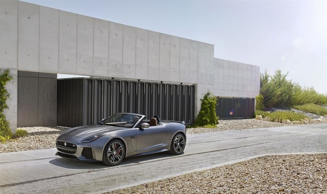 Nouvelle Jaguar F-TYPE SVR : La Supercar Capable D'atteindre 322 km/h Par Tous Les Temps 806138JAGUARFTYPESVR19CONVERTIBLELocationLowRes