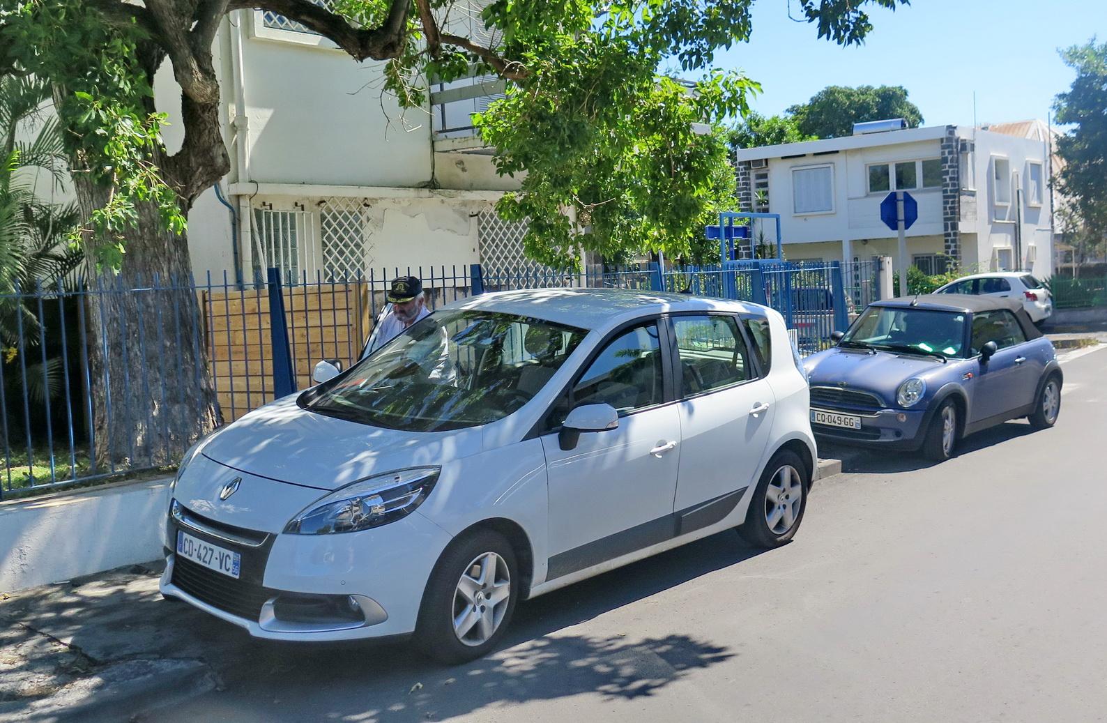 [Vie des ports] Les ports de la Réunion - Page 9 813406floral260