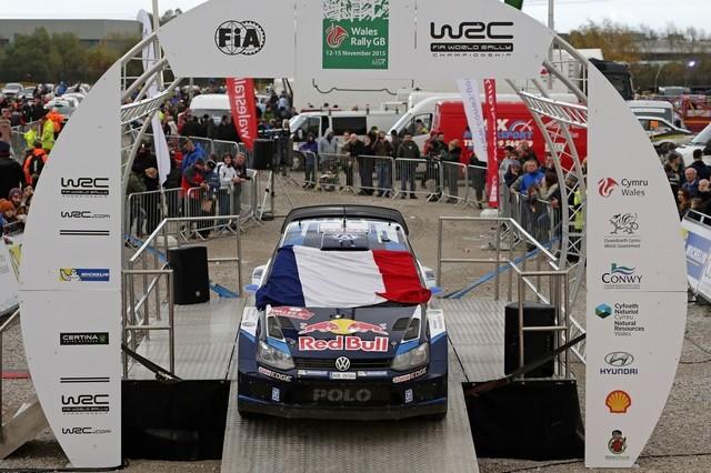 Saison réussie, conclue par une 12ème victoire : Volkswagen et Ogier victorieux au Rallye de Grande-Bretagne  814769md4vwgb15112015hommagewrc2