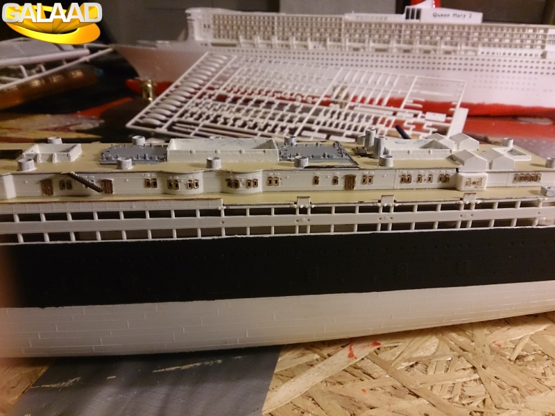 R.M.S Lusitania (Cunard)    1/350 de chez Mr HOBBY 818461DSC0022