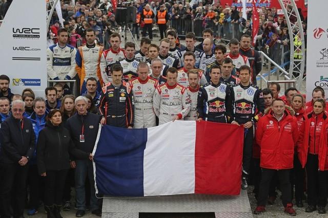 Saison réussie, conclue par une 12ème victoire : Volkswagen et Ogier victorieux au Rallye de Grande-Bretagne  820936md3vwgb15112015hommagewrc