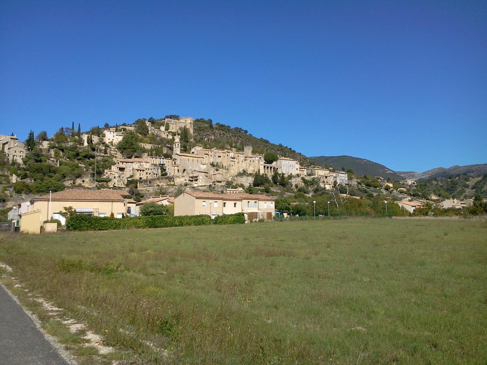 Voyage (petit) à la limite de la drome provençale et du vaucluse. 821425Photo0659