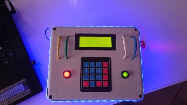 Boitier avec plusieurs mode de jeu 823339DSC0075