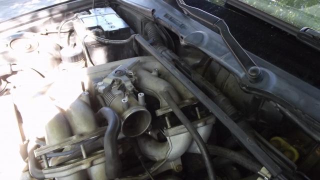 [BMW 316 i E36] Réparation d'une fuite d'essence moteur 82535021pipeadmissiondvisse