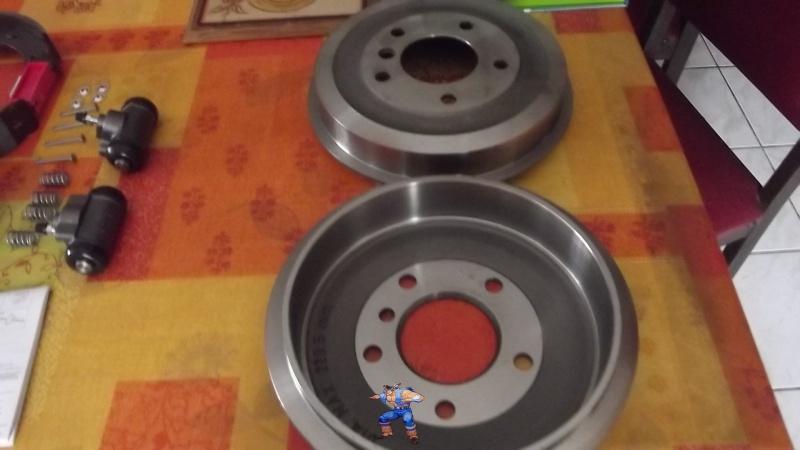 [BMW 316i E36 M40 1992] Tutoriel + photos freinage arrière tambours (résolu) 83124813Tamboursneufs