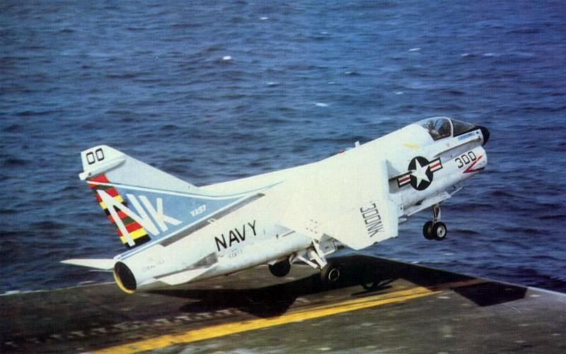 LTV A-7 Corsair II [NOUVELLE VERSION] 831496LTVA7ECorsairII53