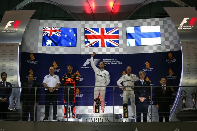 F1 GP de Singapour 2017 : Victoire Lewis Hamilton  8318152017gpdesingapourpodium