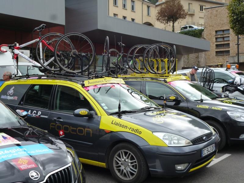 quelques autos au tour cycliste international de L'Ardèche  832494tourcyclisteardche2017le1009013