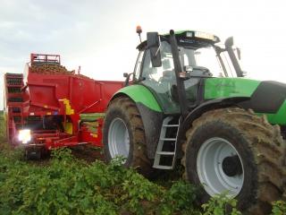 Photos de vos tracteurs - Page 4 834113DSC02718