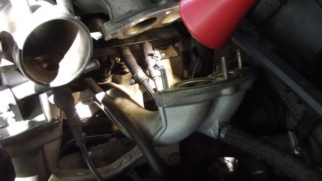 [BMW 316 i E36] Réparation d'une fuite d'essence moteur 83445526dmontageduriteessence
