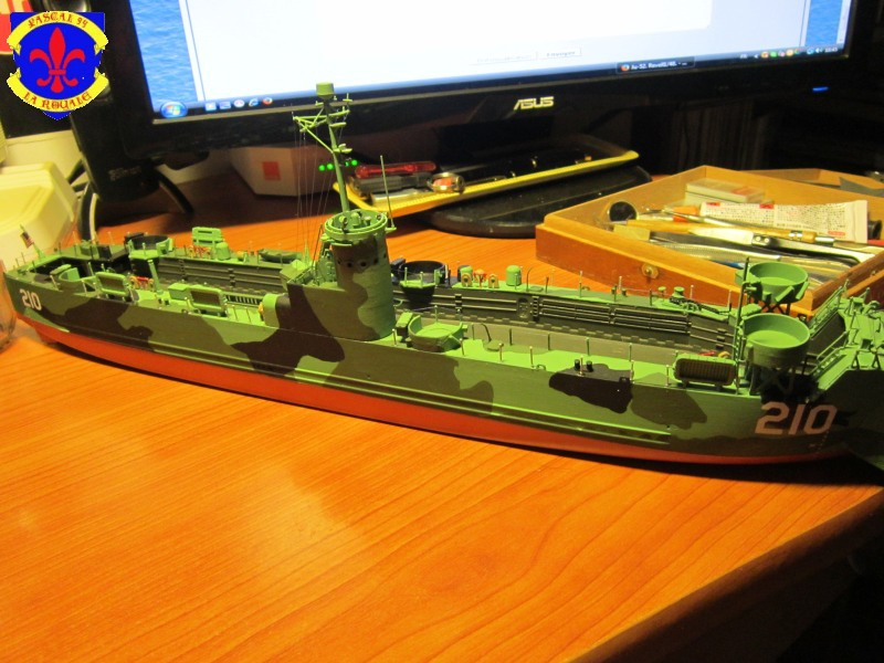 U.S. Navy Landing Ship Médium (Early) au 1/144 de Revell par Pascal 94 - Page 13 836385IMG43561