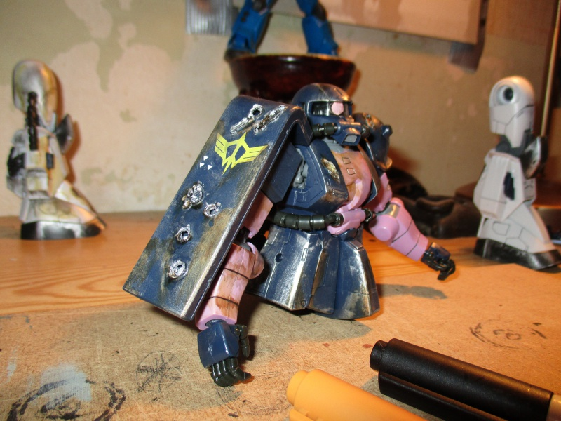 Astuces pour customiser vos Figurines (Peinture, Gundam marker, Aéographe, etc) - Page 10 837286IMG0215