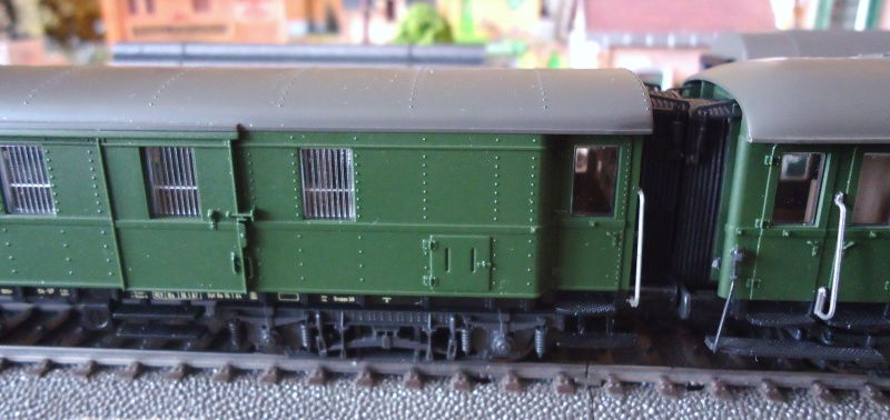 Roco ho: voitures de la DB pour train express 837997DSC03563
