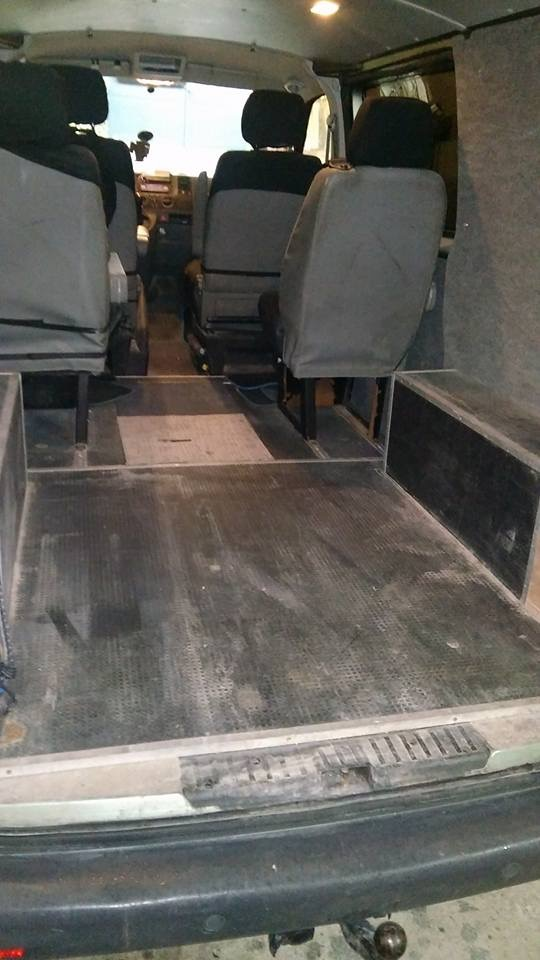 T5 2.5 130, 170 Mkm, cab appro, 5 places indépendantes, 2009 BVM 842481018