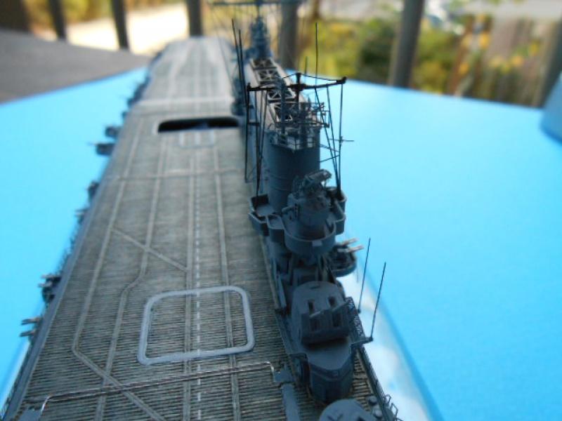 Saratoga CV3  1/700 pont en bois/ PE 845238Sarafini013