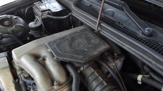[BMW 316 i E36] Réparation d'une fuite d'essence moteur 85055712Dvissagecapotageacclrateur