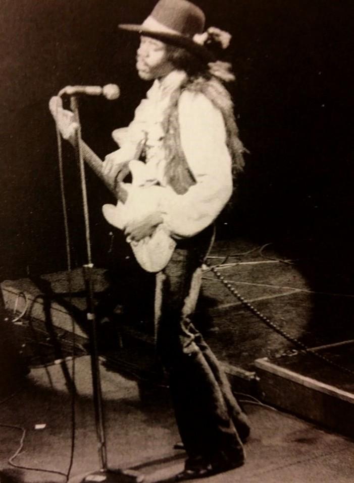 New-York (Fillmore East) : 10 mai 1968 [Premier concert] 85405099n