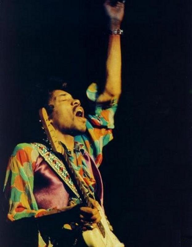 Oakland (Oakland Coliseum) : 13 septembre 1968  854672hendrix01