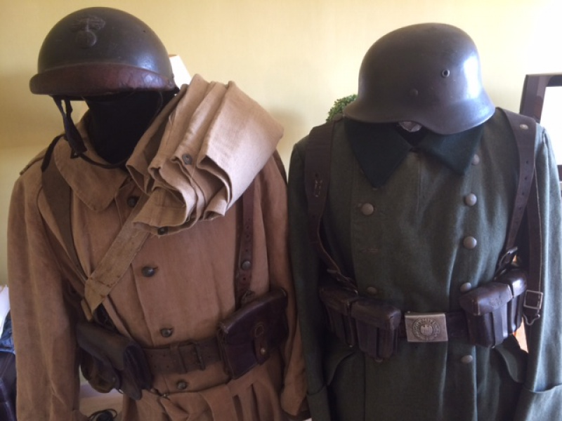 Motocycliste Français et son ennemi France 1940  855519IMG4329