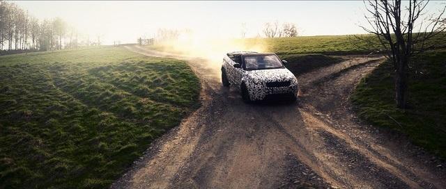 Le nouveau Range Rover Evoque Cabriolet Passe Haut La Main Les Tests Tout-Terrain 858951RangeRoverEvoqueConvertibletestingatEastnor2