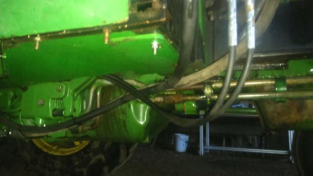 installation d'un distributeur hydraulique  - Page 2 859976DSC0029
