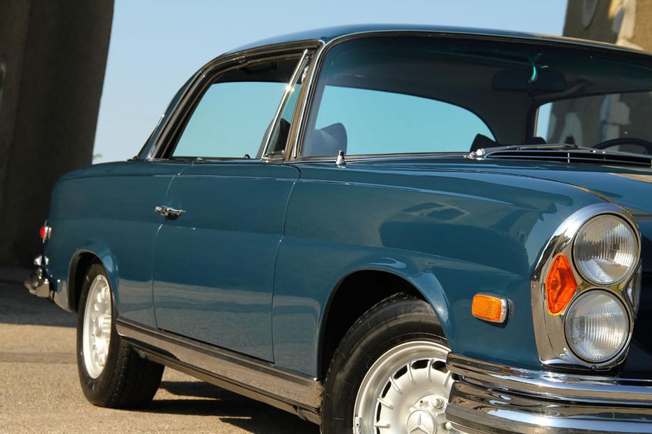 une splendide et magnifique Mercedes-Benz w111 coupé vendue par Bahman Cars - Page 2 860427mbw1110025