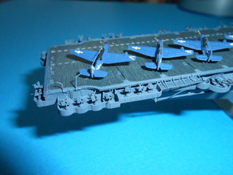 Saratoga CV3  1/700 pont en bois/ PE 863021Sarafini007