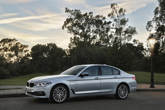 BMW Group au salon de Detroit NAIAS 2017 864042P90244238highResbmw530eiperformanc