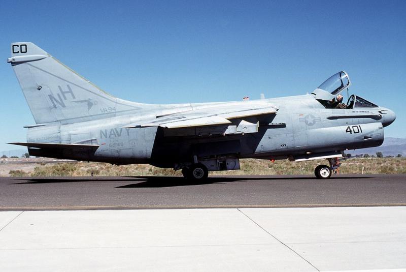 LTV A-7 Corsair II [NOUVELLE VERSION] 864598LTVA7ECorsairII103