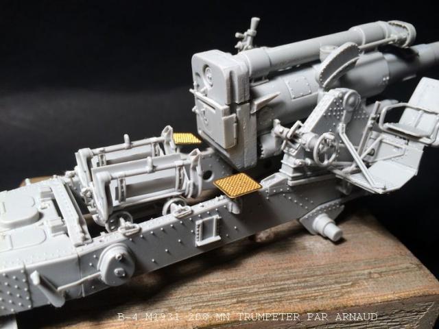 un B-4 M1931 203 mn (le marteau de Staline trumpeter 1/35 867570B4014