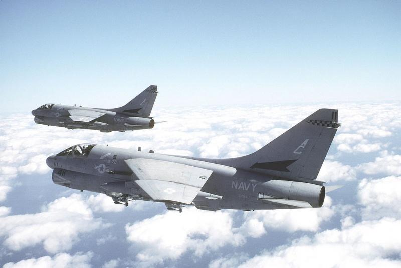 LTV A-7 Corsair II [NOUVELLE VERSION] 867826LTVA7ECorsairII8