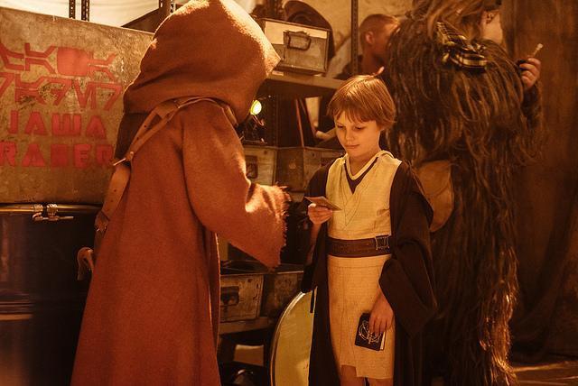 Star Wars - les six premiers films [Lucasfilm - 1977-2005] - Page 3 868087swlon9