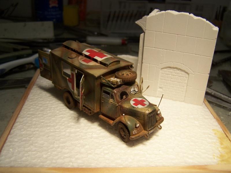 Opel Blitz Ambulance Normandie été 1944 - Page 2 8682161005884