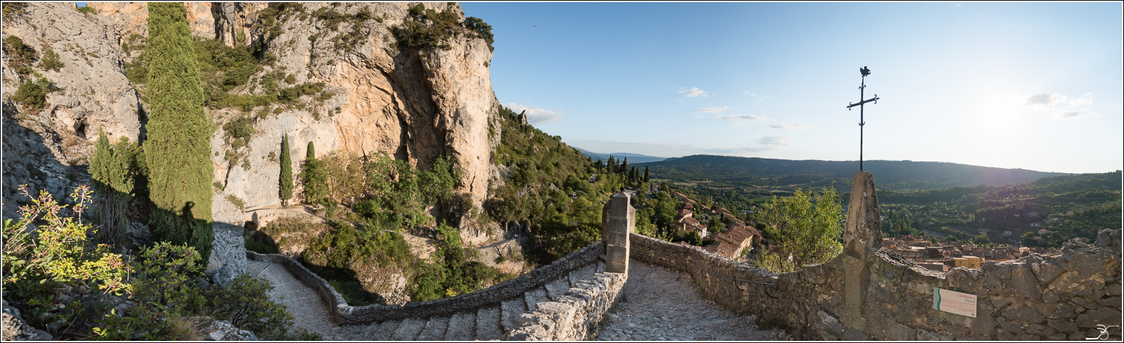 PBVF 67: Moustiers Ste Marie 869453LR6P1170182Panorama