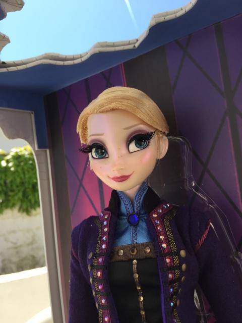 Disney Store Poupées Limited Edition 17'' (depuis 2009) - Page 4 870998IMG0169