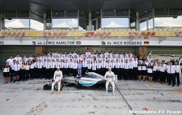F1 GP d'Abu Dhabi 2015 : Victoire Nico Rosberg 8715822015mercedesf1team